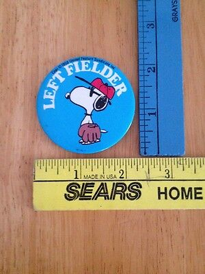 Vintage Pinback Snoopy 1958 Button United Feature Syndicate Left Fielder Peanuts