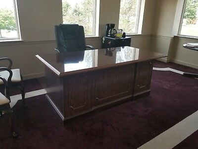 MUST SELL - Vintage Mahogany Executive Desk w/glass top (Sligh Furniture)