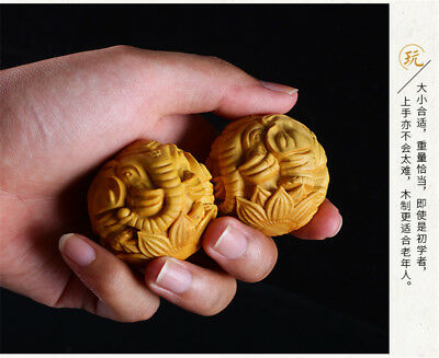 China Exquisite A Pair boxwood Hand Engraving Elephant & Lotus Handball