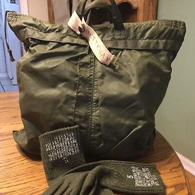 e84f266ad3 VTG US Military Flight Flyers Helmet Bag With Wool Glove Inserts Size 5
