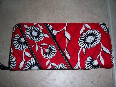 New Vera Bradley Deco Daisy Travel Wallet Nwot