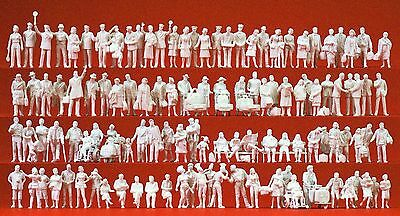 PREISER HO scale ~ 'AT THE STATION' ~ UNPAINTED FIGURES #16352