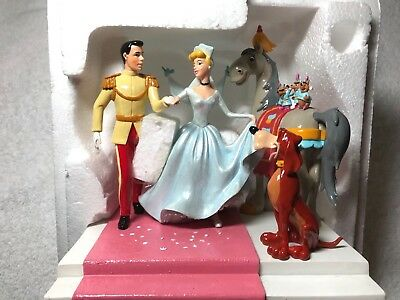 DEPT 56 DISNEY Happily Ever After 2006 Cinderella & Prince Charming NEW
