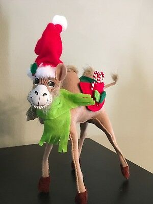 """Annalee 9"""" Holly Berry Camel W/ Santa Hat Christmas Mobility Doll Figure"""