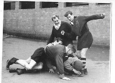 Press Photograph Unknown Footballers Training