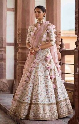 Heavy Embroidered Traditional Festive Attractive Gorgeous Look Party  Lehenga