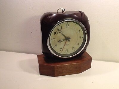 Vintage Rare Art Deco Bakelite Smith Sectric Oak Mounted electric Mantel Clock