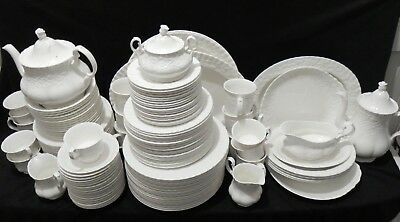 Large Set Of 149 Pcs Royal Albert Old English Garden Dinner & Tea Set Bone China