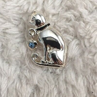 KC Silver Tone Cat Pin , Dangling Blue Charm on Collar