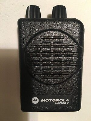 MOTOROLA MINITOR V 5 LOW BAND PAGERS 45-49 MHz 2-FREQUENCY NON-STORED VOICE
