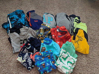 Lot of baby boy clothing BabyGap, Gymboree, Under Armour size 2T