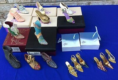 """17 Mini Shoes, >>>"""" Just The Right Shoe"""" By Raine, + 6 Gold Metallic Shoes NICE"""