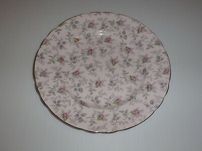 Tuscan England Plate, Shell Pink with Rosebud Pattern