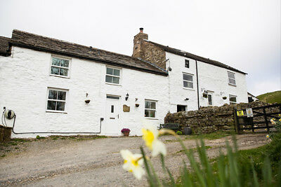 Short breaks in pet friendly holiday cottage Cumbria WiFi, November to March