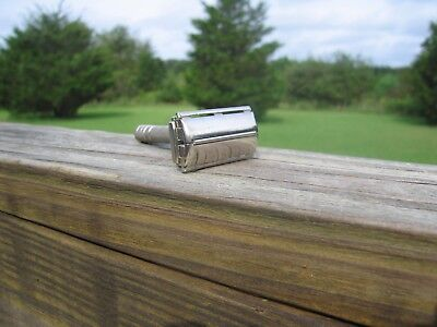 Beautiful Gillette 1953 Super Speed  DE Safety Razor (Y-1)