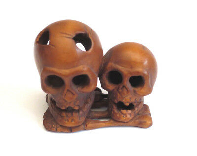 Antique C19th Meiji Era Boxwood Netsuke Signed Kougyoku Two Skulls On Bones