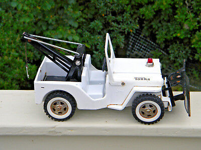 "Vintage 1960s Tonka # 435 AA Wrecker Truck Jeep with Working Snow Plow  12"" NICE"