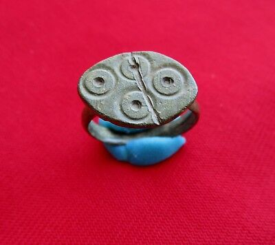 Roman ancient bronze ring - decorated with evil eye symbol