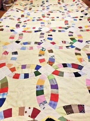 VINTAGE DOUBLE WEDDING RING QUILT HAND STITCHED 85x74 with YELLOW BACKING