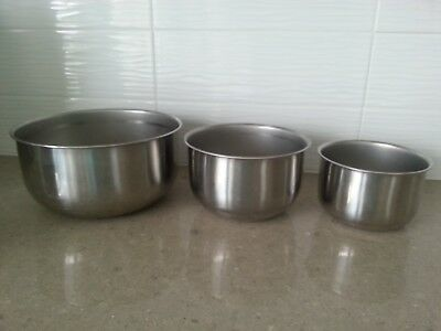 Vintage Stainless Steel Nesting Mixing Bowls - Lot of 3