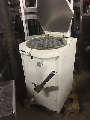 Scone divider cutter 37 piece bakery pie equipment