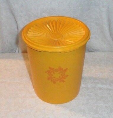 Vintage Tupperware 8 Cups Servalier Canister With Seal #809