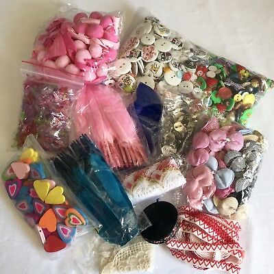 Huge bulk lot of haberdashery including bows buttons caboches & more 200+ pieces