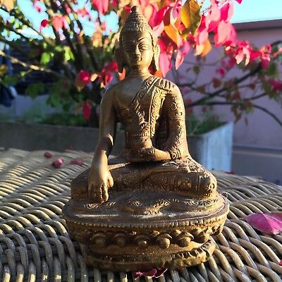 OLD ANTIQUE TIBETAN CHINESE GILT BRONZE FIGURE OF BUDDHA 13cm / 5.1 inches