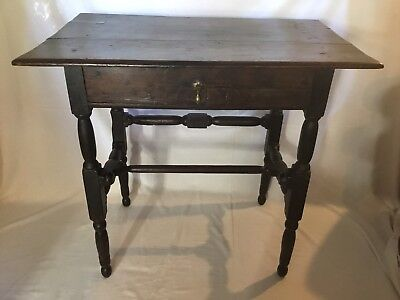 ANTIQUE RUSTIC 18th CENTURY OAK OCCASIONAL TABLE WITH DRAWER