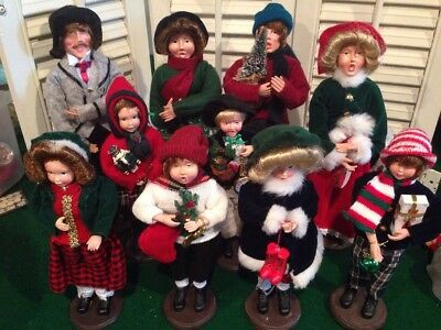 Lot 8 Large Victorian Christmas Carolers Family Mother  Byers Choice Look A Like