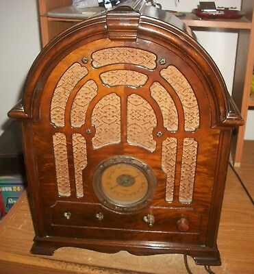 Rca Victor Cathedral Tube Radio  Model 121