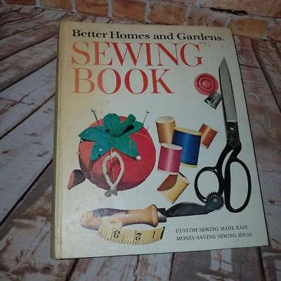 Vintage 1970 Better Homes and Gardens Sewing Binder Book