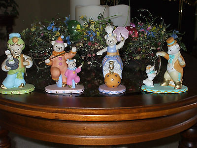 Avon Set Of 4 Magnificent Circus Bears Collection