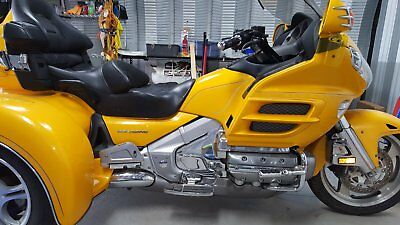 2005 Honda Gold Wing  2005 Honda Goldwing Trike with small trailer