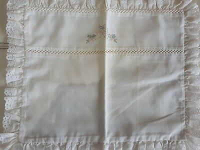 Babies pram/bassinete pillowslip and sheet set vintage used condition