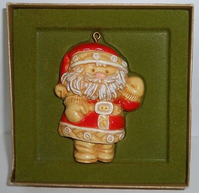 Hallmark Christmas Ornament 1976 TREE TREATS SANTA Tree Trimmer B25