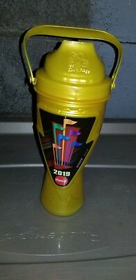 Six Flags 2019 Gold Season Refillable Drink Cup Bottle NEW - Get yours early!