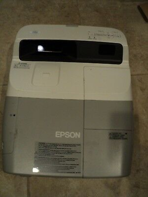 Epson PowerLite 450W Ultra-Short-Throw Projector H318A