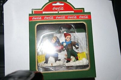 1995 Dated Town Square Collection Snowball Fight  64333 Coca Cola Christmas  NIB