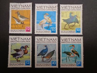 Vietnam.set Of Six Native Birds Stamps -:- C.t.o Un-Hinged.