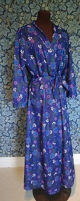 Vintage 1960s dressing gown House Coat Poly Soft Flamboyant Floral Hippy