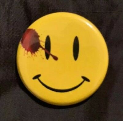 "WATCHMEN BUTTON SMILEY FACE PIN 1.5"" Doomsday Clock 11 Flash Batman 22 COMEDIAN"