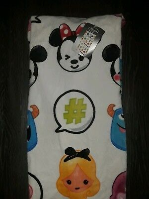 Disney store emoji Beach Towel brand new 30x60 inch
