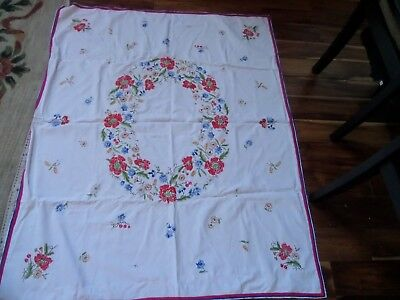 Exquisite Vintage Linen Hand Embroidered Tablecloth ~ Beautiful Floral Circle