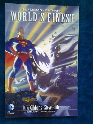 World's Finest: Superman - Batman Gibbons, Dave/ Rude, Steve (Illustrator)