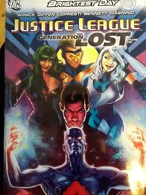 DC JUSTICE LEAGUE GENERATION LOST HARDCOVER  Volume 1