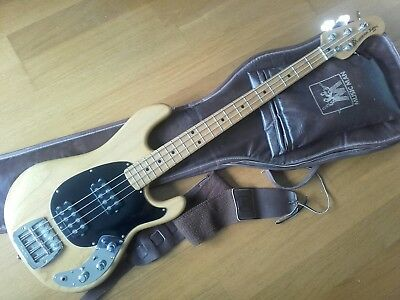 1979 MUSICMAN Sabre Bass, original. Excellent.