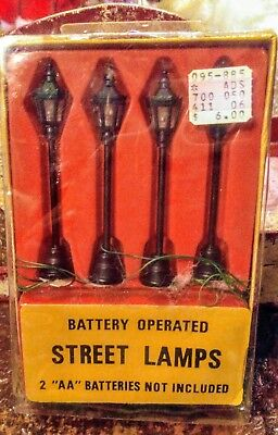 4 Battery Operated Street Lamp Christmas Village Accessory By ROC Taiwan*NEW*NIB