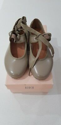 BLOCH-Girls-Tap-Shoes-in-Tan-Colour - size 9 toddler