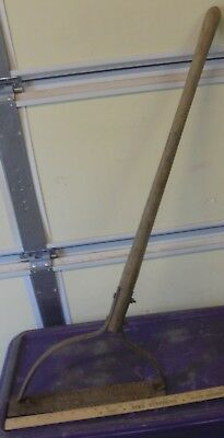 Antique/Vintage green steel Weed/Grass Cutter Sling Blade Rustic, 14 in. blade